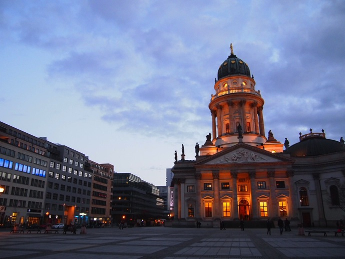 P2225366 ベルリン滞在にオススメのエリアは3つ!駅ごとに観光スポットを解説!