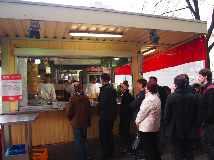 P3057831 ベルリンで超美味いケバブが食べたいならゲミューゼケバブがオススメ!
