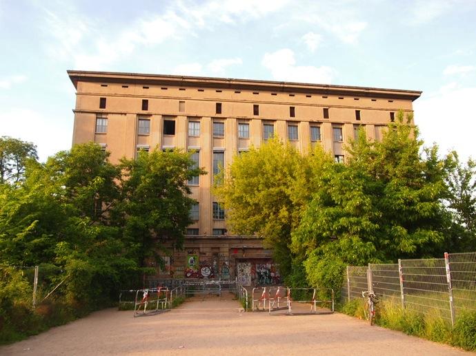 P5243687 ベルリン滞在にオススメのエリアは3つ!駅ごとに観光スポットを解説!