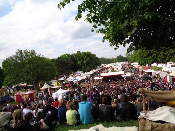 14192132 1218517584866797 7374539778332051023 n 中世にタイムスリップ!?ドイツで絶大な人気を持つ「中世祭り」とは?