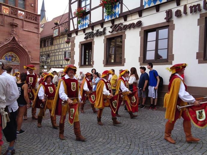14291687 1218517581533464 4277609570308573264 n 中世にタイムスリップ!?ドイツで絶大な人気を持つ「中世祭り」とは?