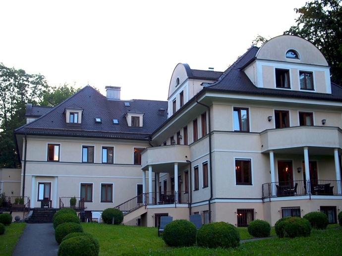 P7239751 フュッセンでオススメしたいホテル!森のペンションみたいに可愛い宿に泊まってみた!