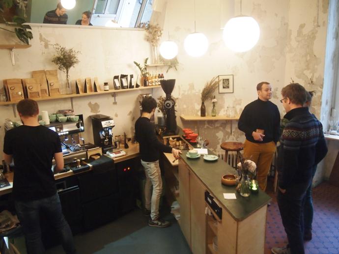 th PA225485 都会の自然が気持ちいい!東ベルリンのカフェ『ポピュラスコーヒー』