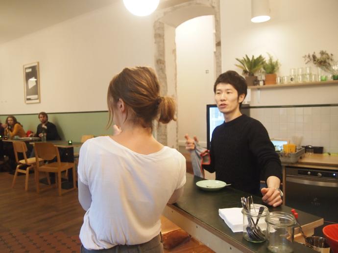 yamamochan 都会の自然が気持ちいい!東ベルリンのカフェ『ポピュラスコーヒー』