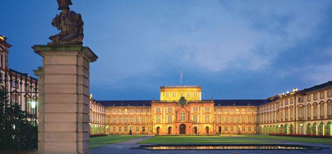 header mannheim schloss 2016年ドイツ総選挙!ドイツのおすすめ観光地ベスト100決定!
