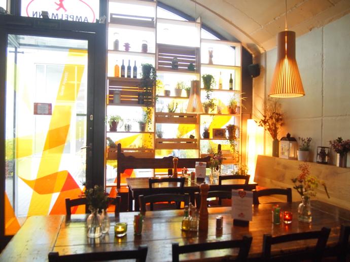 th PA204544 ベルリン観光で行きたい可愛いレストラン!アンペルマンレストラン行ってみた!