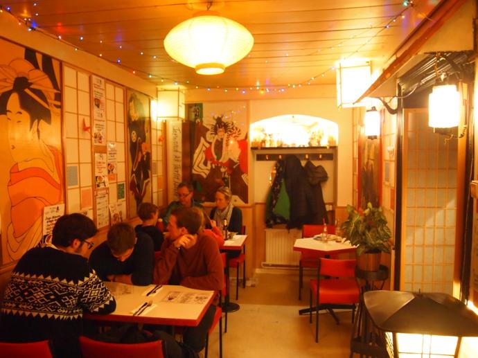 th PA214867 ドイツで最も美味い唐揚げ?ベルリンの居酒屋が生み出す伝説の味に驚愕!
