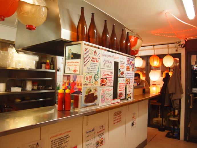 th PA214885 ドイツで最も美味い唐揚げ?ベルリンの居酒屋が生み出す伝説の味に驚愕!