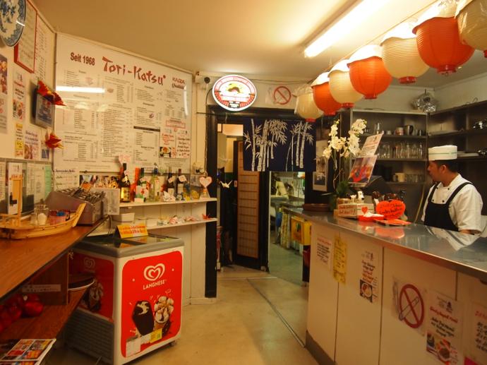 th PA214890 ドイツで最も美味い唐揚げ?ベルリンの居酒屋が生み出す伝説の味に驚愕!