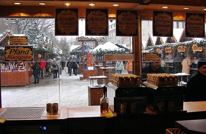xmas snow ドイツのクリスマスマーケットは家族へのプレゼントを買う場所?