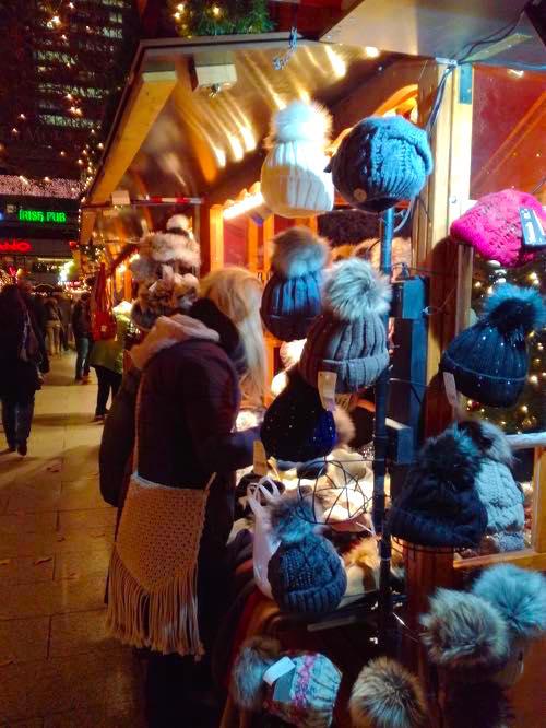 zoo xmas8 ドイツのクリスマスマーケットは家族へのプレゼントを買う場所?