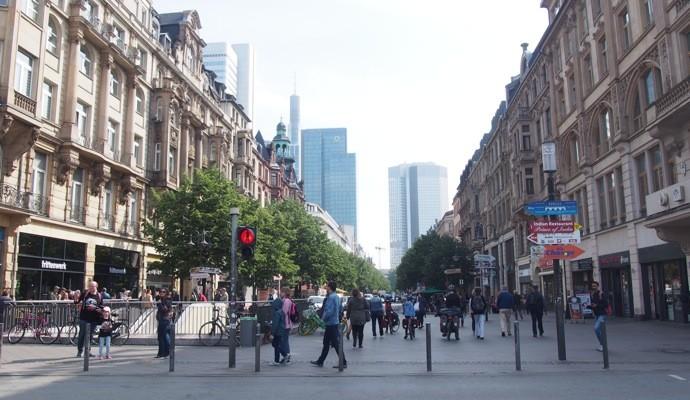 munchen station front 690x400 Uber使えない!ドイツで簡単にタクシーを呼べるアプリ『Mytaxi』を使ってみた!