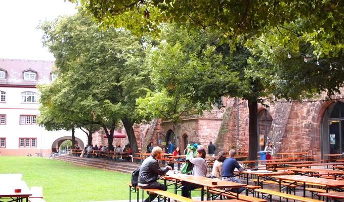 th P8163691 ドイツの大学で勉強できるハイデルベルク大学のドイツ言語学とは?
