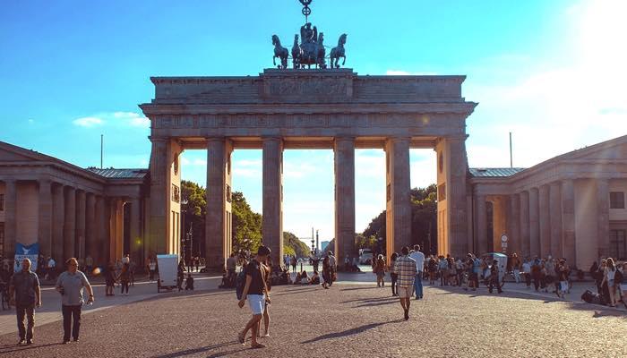 berlin BrandenburgerTor ドイツ留学オススメの都市はどこ?語学学校を都市別に紹介!