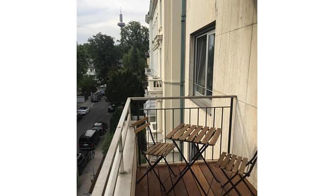 sample balcony 巧妙なドイツの振り込め詐欺!ベルリンで物件貸すよ詐欺の手口と見破り方!