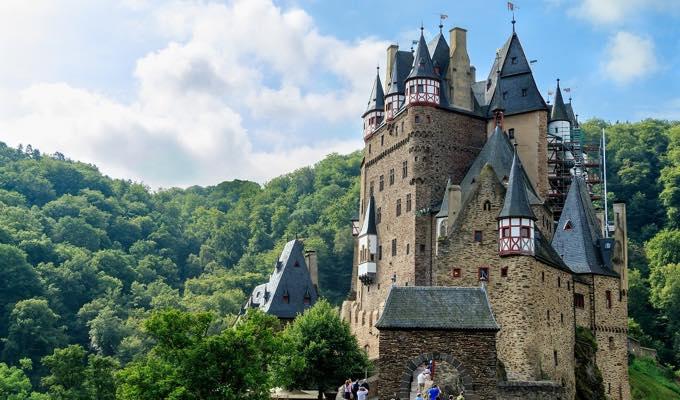 castle ドイツ学生ビザからワーキングホリデービザ(ワーホリ)の切替が不可能な理由